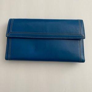 Tusk leather wallet organizer